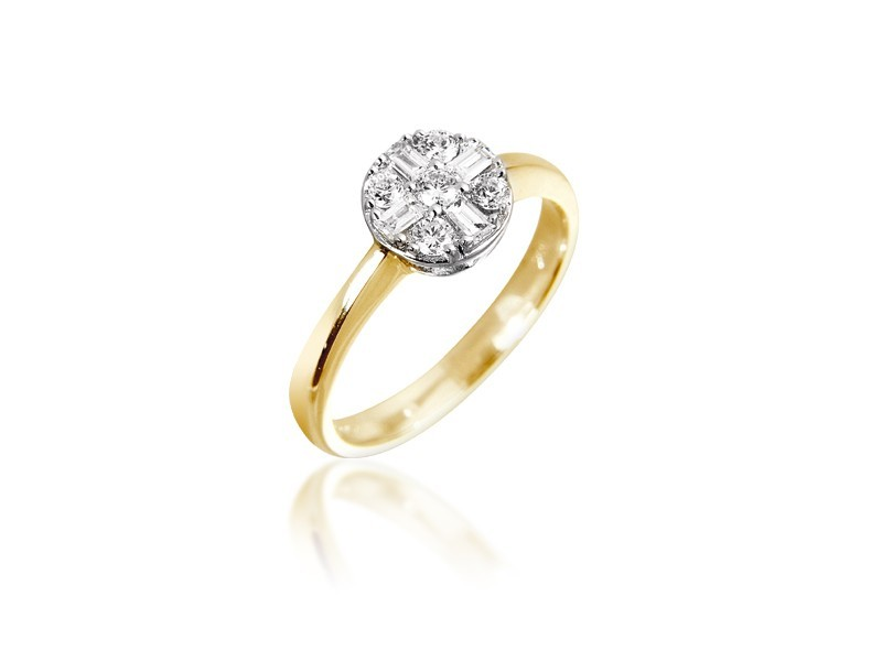 18ct Yellow & White Gold ring with 0.30ct Diamonds in white gold mount.