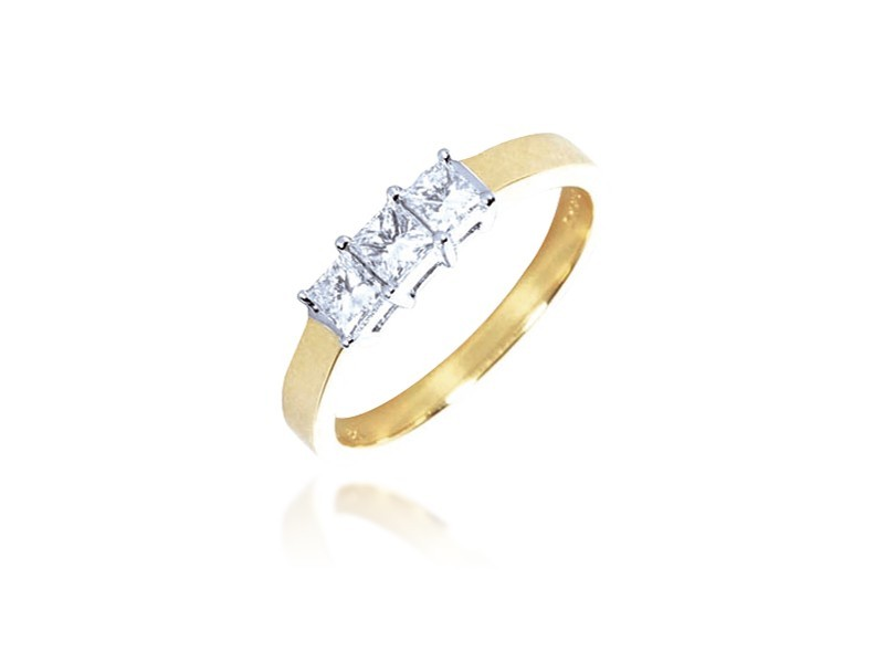 3 stone 18ct Yellow & White Gold ring with 0.50ct Diamonds in white gold mount.
