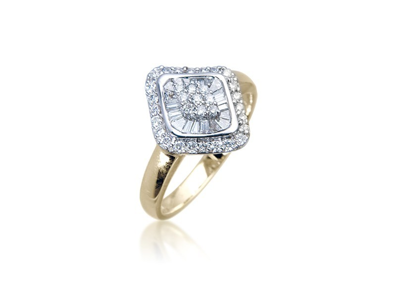 18ct Yellow & White Gold ring with 0.50ct Diamonds in white gold mount.