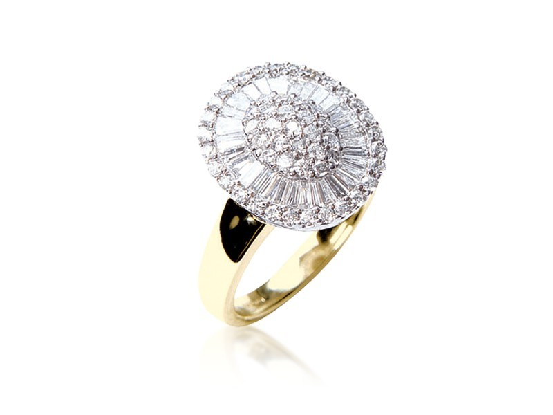 18ct Yellow & White Gold ring with 1.00ct Diamonds in white gold mount.
