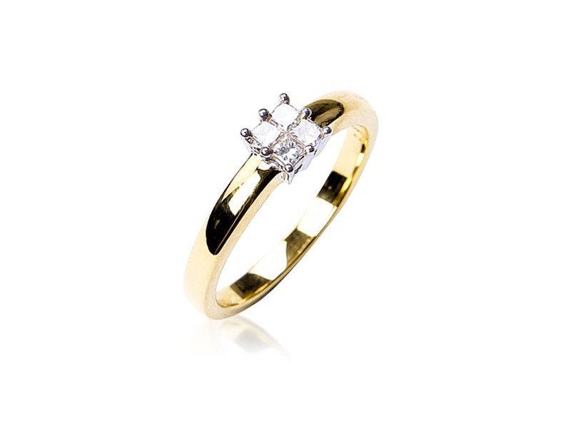18ct Yellow & White Gold ring with 0.25ct Diamonds in white gold mount.