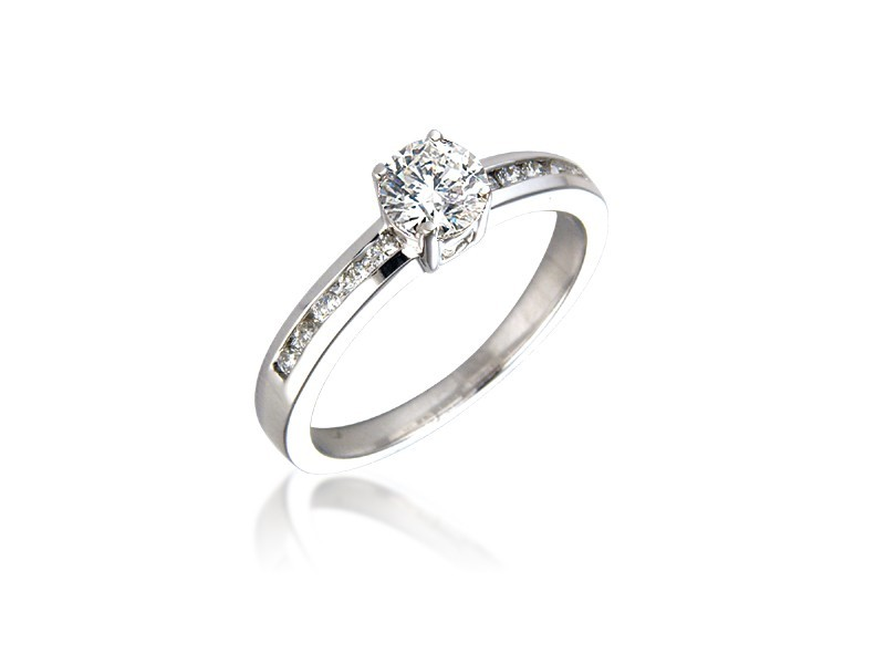18ct White Gold 0.60ct Diamond Solitaire Engagement Ring