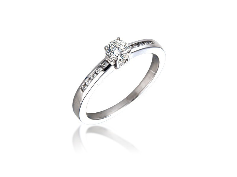 18ct White Gold 0.35ct Diamond Solitaire Engagement Ring