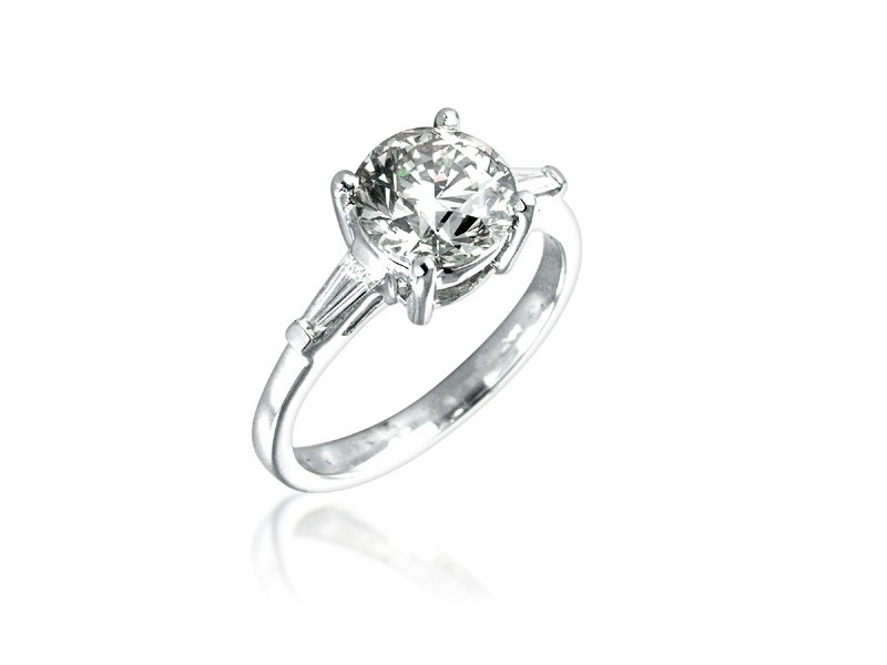18ct White Gold 2.20ct Diamond Solitaire Engagement Ring