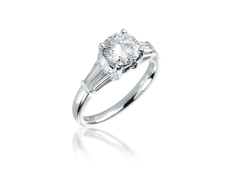 18ct White Gold 1.30ct Diamond Solitaire Engagement Ring