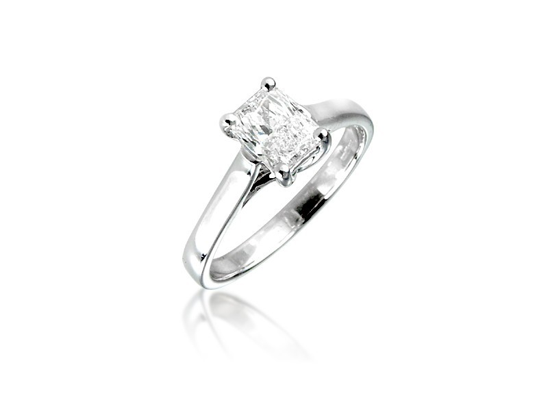 18ct White Gold  1.00ct Diamond Solitaire Engagement Ring