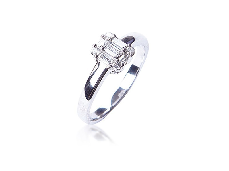18ct White Gold 0.30ct Diamond Cluster Engagement Ring