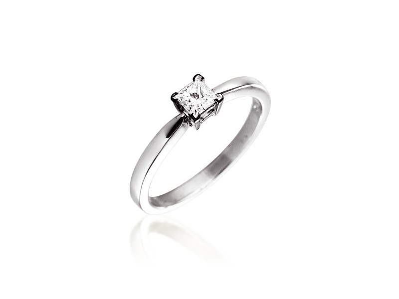 18ct White Gold 0.33ct Diamond Solitaire Engagement Ring