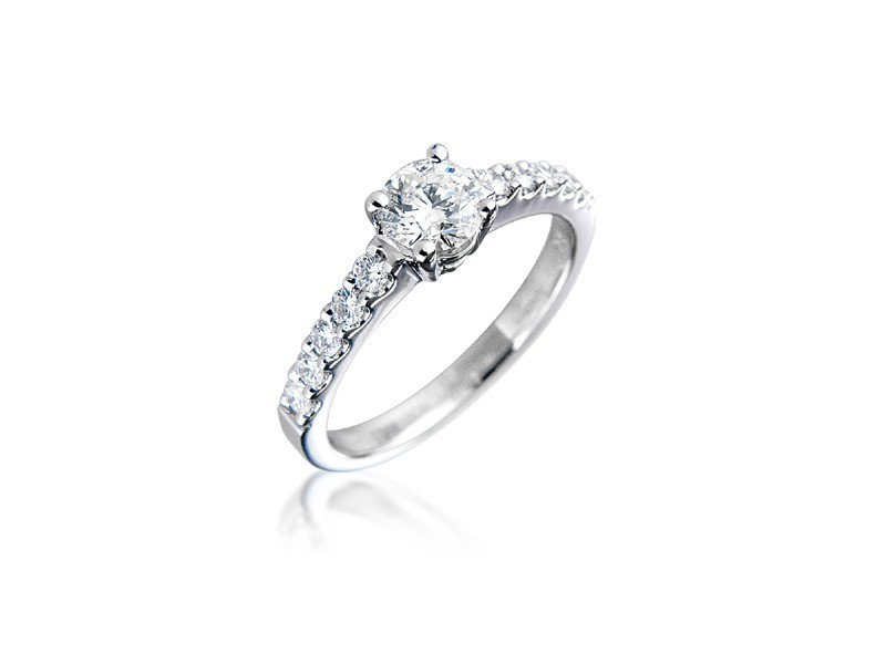 18ct White Gold 0.85ct Diamond Solitaire Engagement Ring