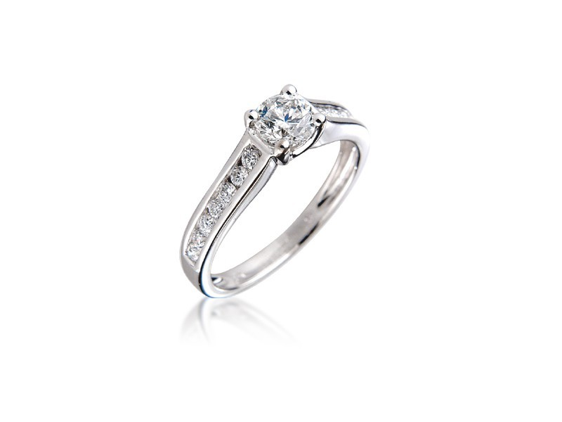 18ct White Gold 0.75ct Diamond Solitaire Engagement Ring