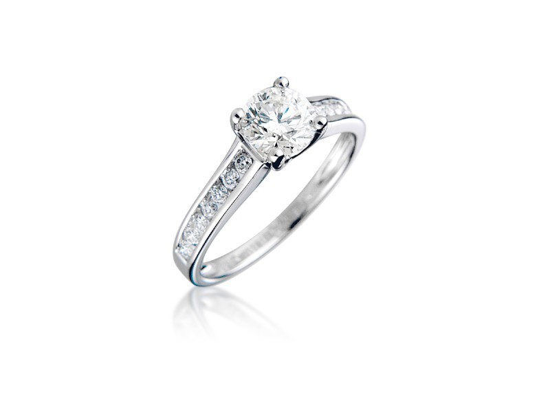 18ct White Gold 1.05ct Diamond Solitaire Engagement Ring