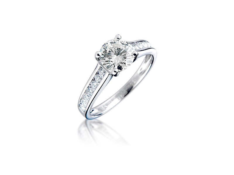 18ct White Gold 1.25ct Diamond Solitaire Engagement Ring