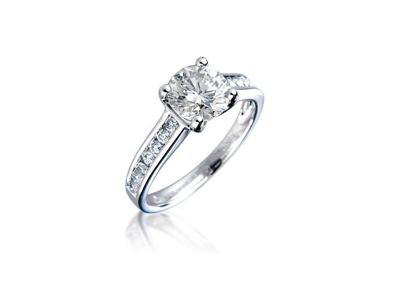 18ct White Gold 1.40ct Diamond Solitaire Engagement Ring