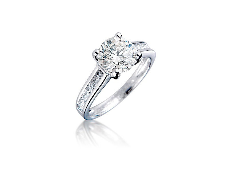 18ct White Gold 1.75ct Diamond Solitaire Engagement Ring