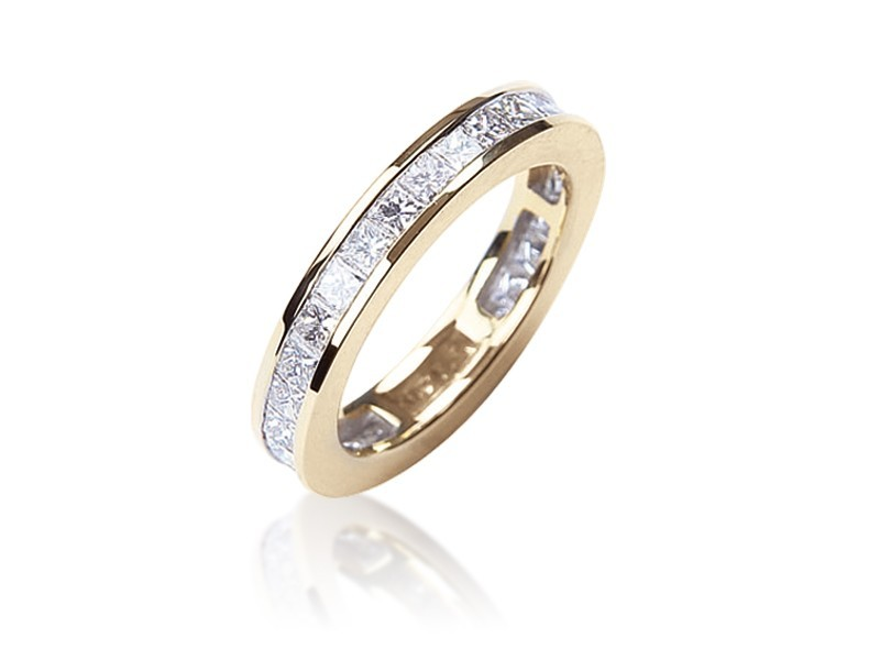 18ct Yellow Gold Eternity Ring with 2.20ct Diamonds.