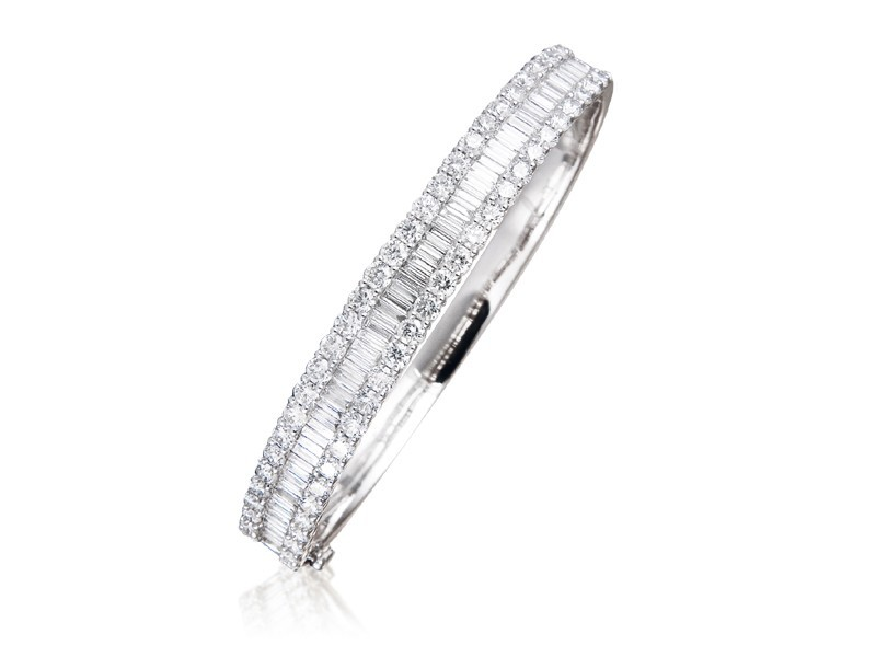 18ct White Gold & 5.50ct Diamonds Bangle