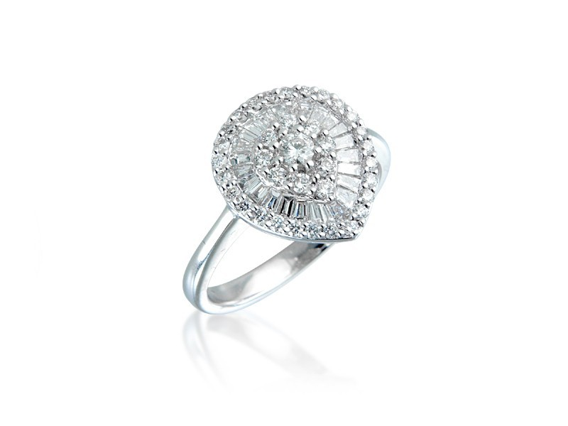 18ct White Gold ring with 0.75ct Diamonds