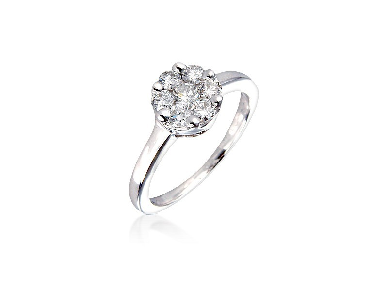 18ct White Gold ring with 0.50ct Diamonds.