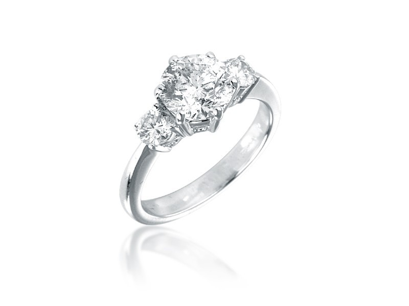 3 stone 18ct White Gold ring with 1.75ct Centre Stone Total Diamonds 2.25ct.