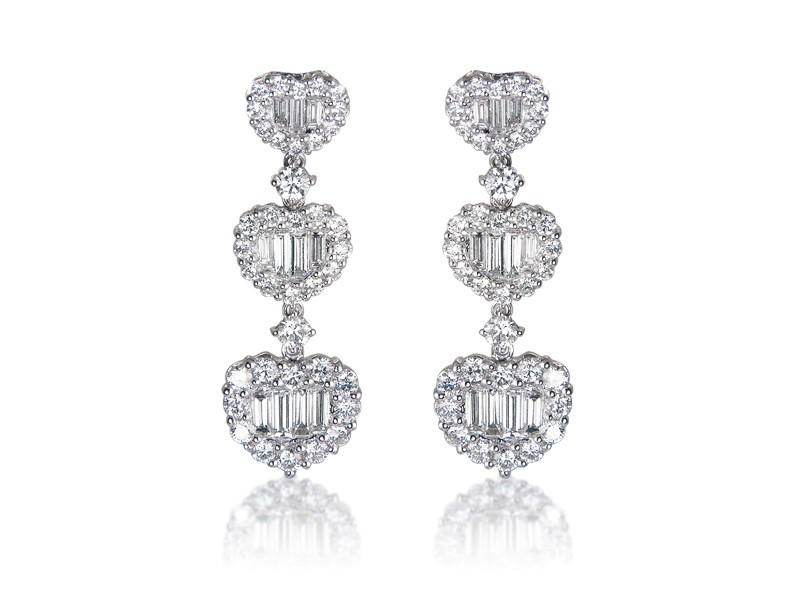 18ct White Gold Drop Earrings with 3.55ct Diamonds.
