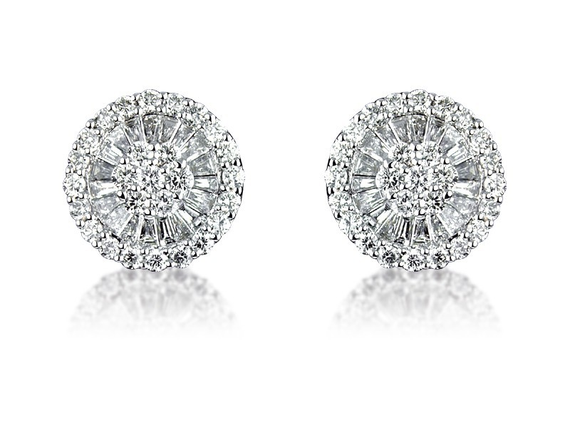 18ct White Gold Stud Earrings with 2.00ct Diamonds.