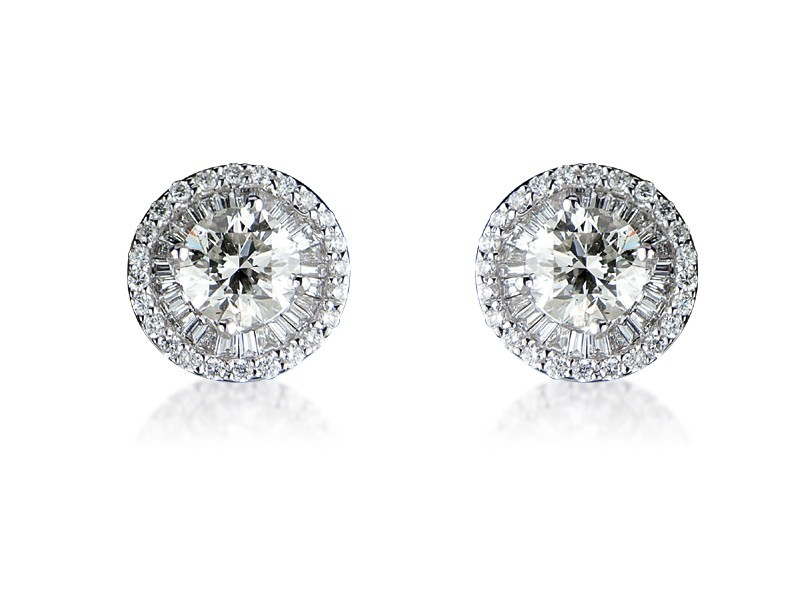 18ct White Gold Stud Earrings with 2.50ct Diamonds.