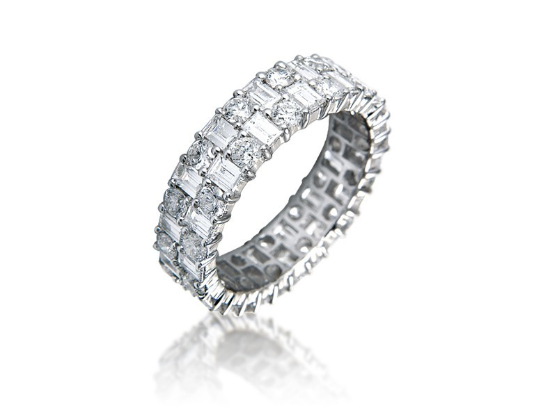 18ct White Gold Eternity Ring with 3.20ct Diamonds.