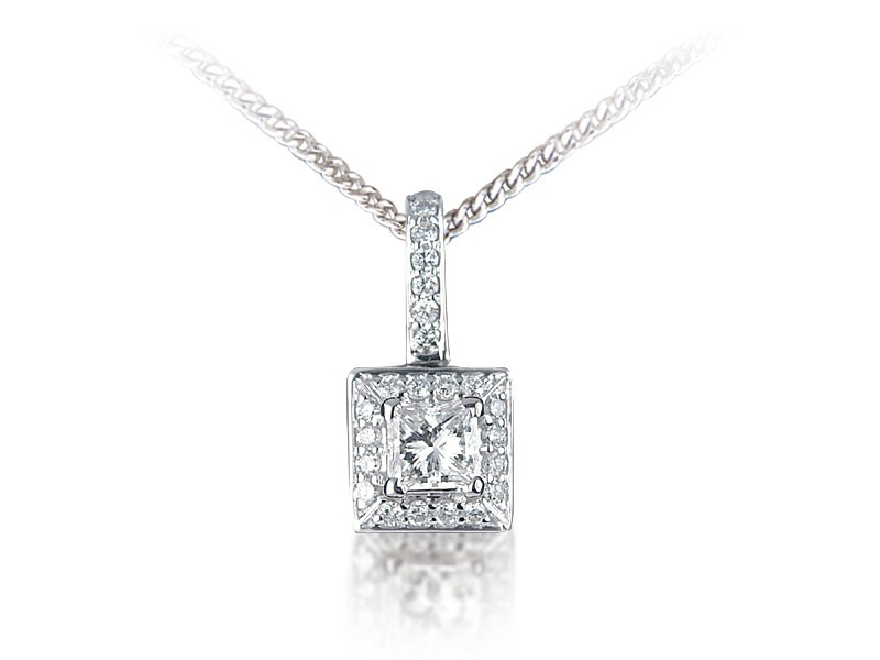 18ct White Gold Pendant with 0.60ct Diamonds.
