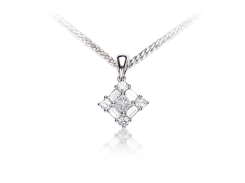 18ct White Gold Pendant with 0.50ct Diamonds.