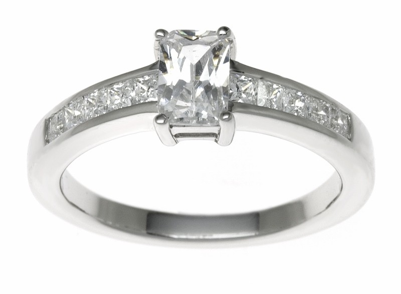 18ct White Gold 1.32ct Diamonds Solitaire Engagement Ring