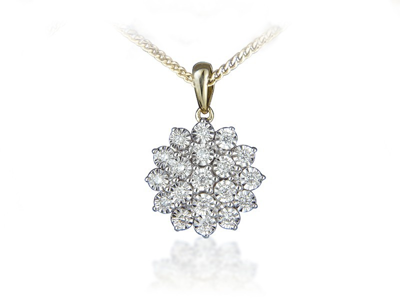 9ct Yellow Gold Pendant with 0.25ct Diamonds.