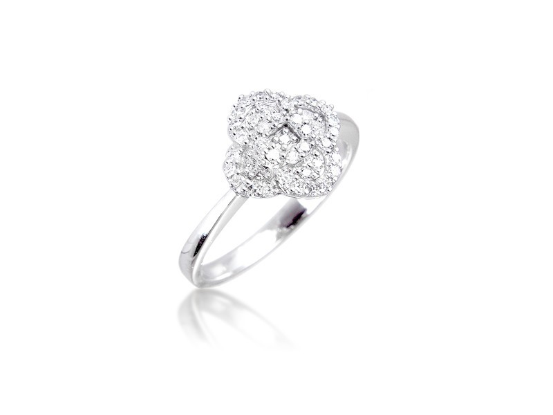 9ct White Gold ring with 0.20ct Diamonds.