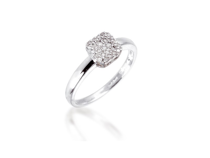 9ct White Gold ring with 0.10ct Diamonds.