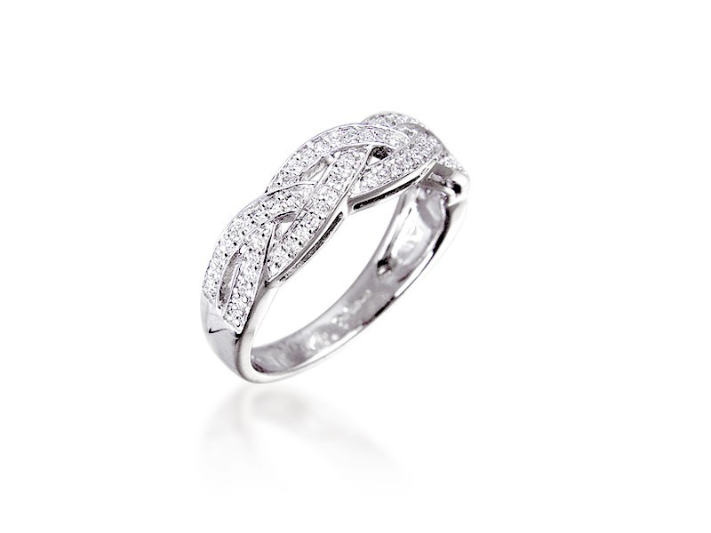 9ct White Gold ring with 0.20ct 0.20ct Diamonds.
