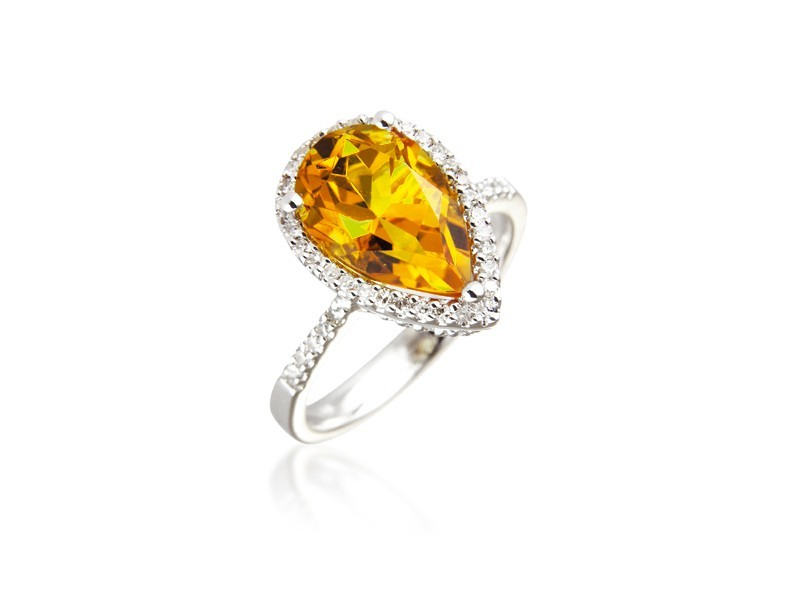9ct White Gold ring set with Diamonds & 2.70ct Pear Shape Citrine Centre Stone
