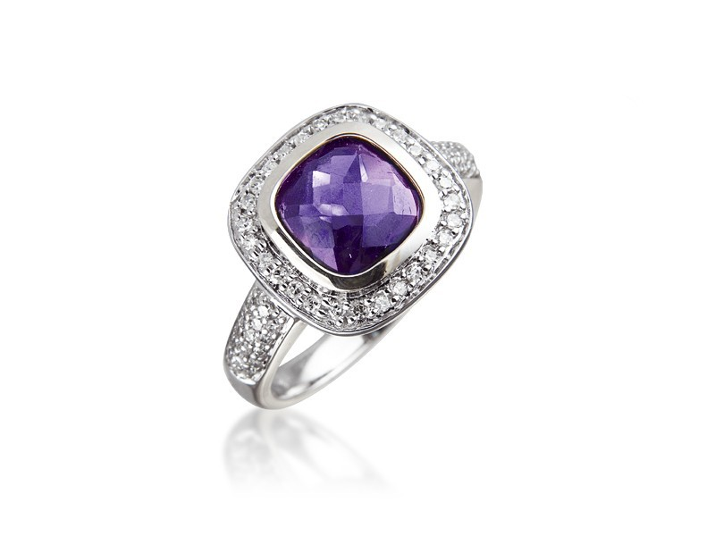 9ct White Gold ring set with Diamonds & 2.50ct Amethyst Centre Stone
