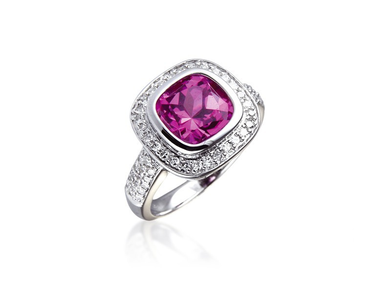 9ct White Gold ring set with Diamonds & 3.15ct Synthetic Pink Sapphire Centre Stone