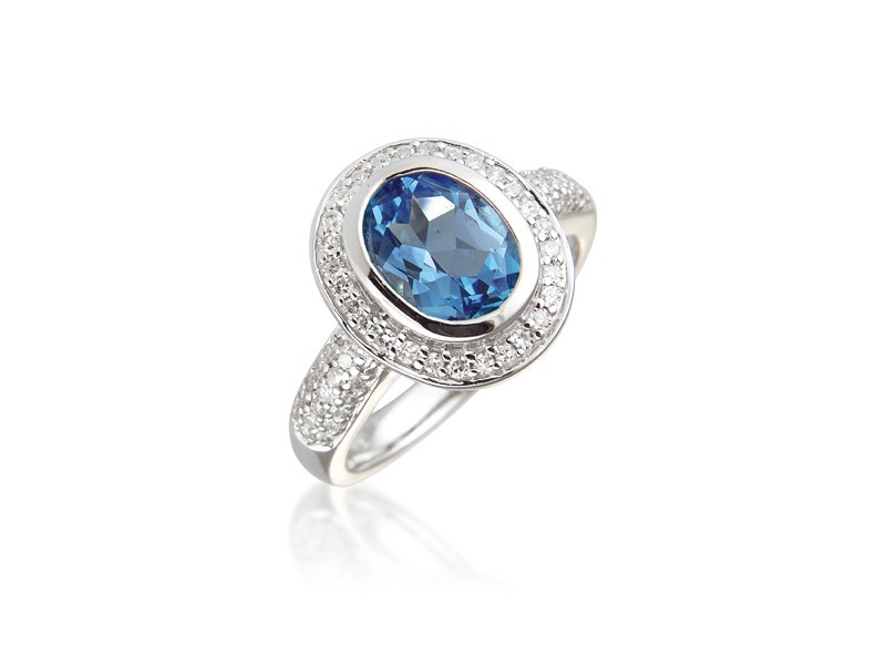 9ct White Gold ring set with Diamonds & 2.50ct Oval Shape Blue Topaz Centre Stone