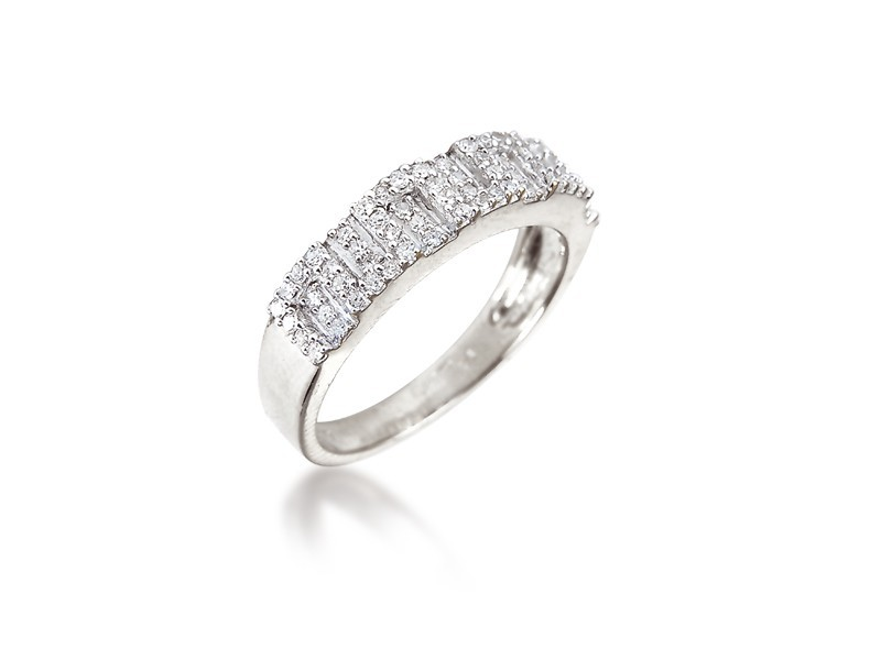 9ct White Gold Eternity Ring with 0.25ct Diamonds.