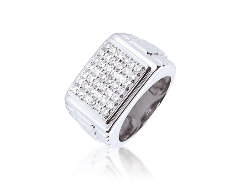 9ct White Gold Mens Ring with 1.00ct 1.00ct Diamonds.