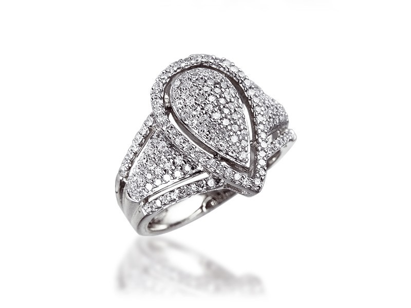 9ct White Gold Mens Ring with 0.65ct Diamonds.