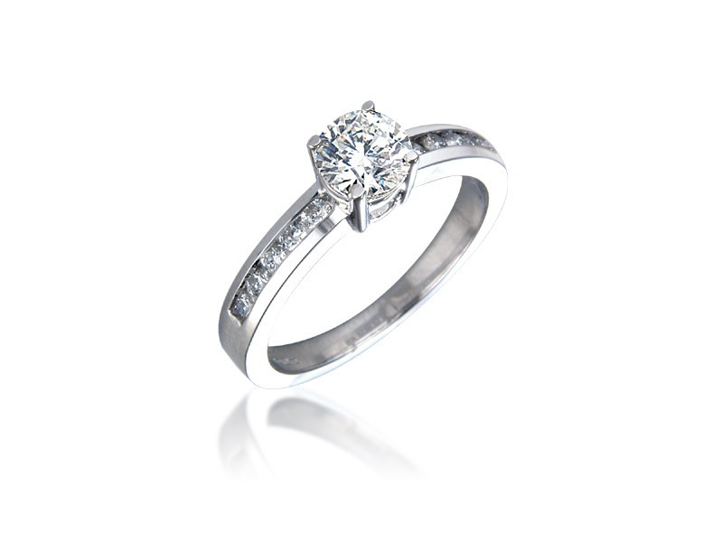 Platinum 0.75ct Diamonds Solitaire Engagement Ring